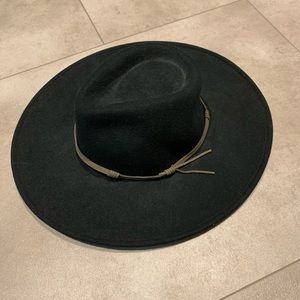 NEW WITH TAG Wide brimmed Black Hat